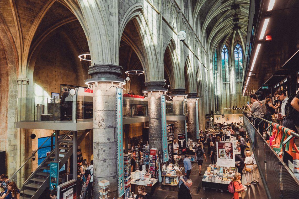laboitedallumettes-maastricht-city-ville-visite-visite-histoire-travel-voyage-paysbas-hollande-journée-citytrip-pont-moulin-marché-noel-magasins-boutiques-shopping