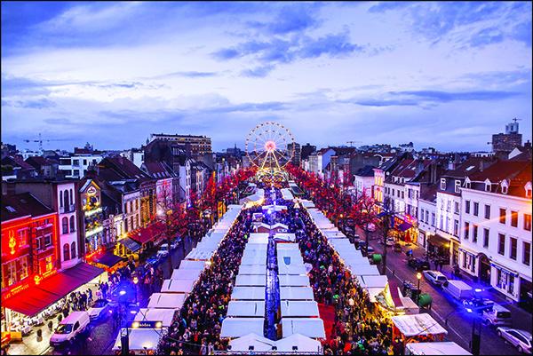 laboitedallumettes-noel-marché-marche-plus-beaux-marchés-de-noel-bruxelles-strasbourg-valkenburg-zurich-dresde-cinq