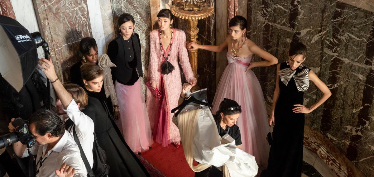 la-boite-d-allumettes-paris-fashion-week-le-calendrier-officiel-des-defiles-haute-couture-printemps-ete-special
