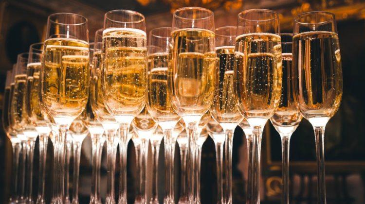 laboitedallumettes-champagne-collet-verres-verre-alcool-maison-art-nouveau
