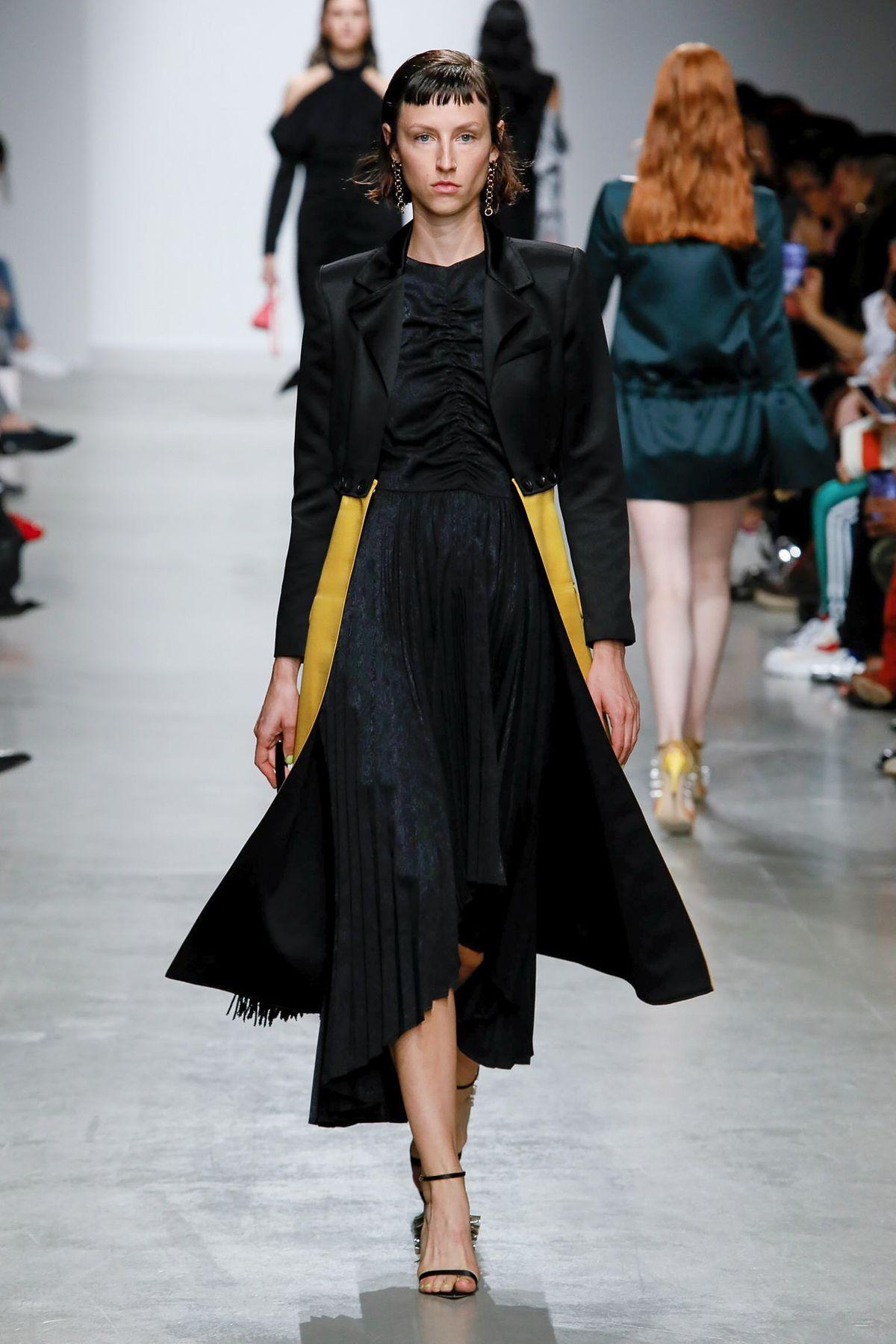 la-boite-d-allumettes-paris-fashion-week-liu-chao-designer-credit-gio-staiano-now-fashion