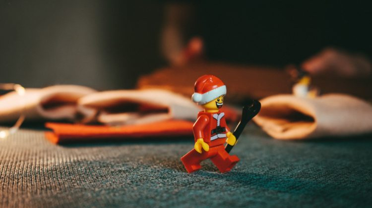 la-boite-d-allumettes-playlist-blog-christmas-new-year-2020-party-credit-unsplash-artem-maltsev